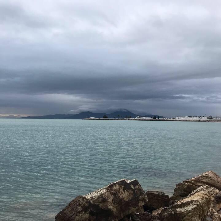 Vue de mer région touristique beau et agréable