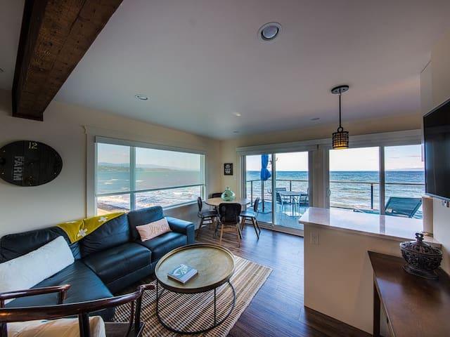 Luxury Ocean Front Suite #8