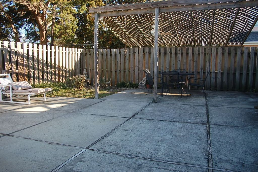 Fence,Patio,Pergola,Porch,Flagstone