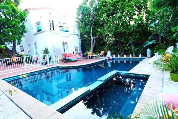 Beverly Hills Celebrity Home 1