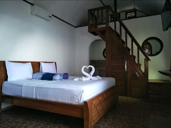 Cheapest luxury bungalow with surfing point view