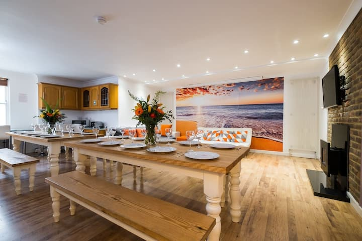 Big, seaside house. Special rates for 6 guests