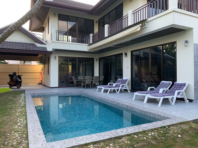 Private Pool Villa 3 beds relaxing View