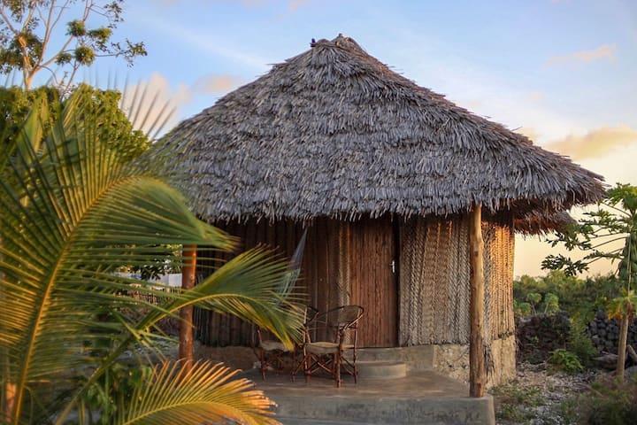 Kuza Cave Culture Centre - Round Hut