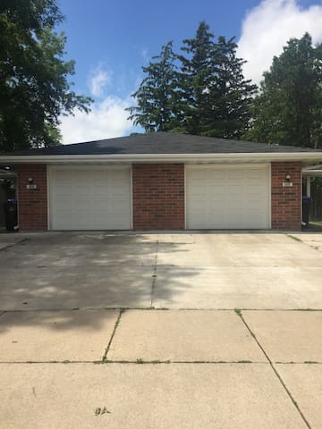 Great Living Space Near Downtown Appleton!