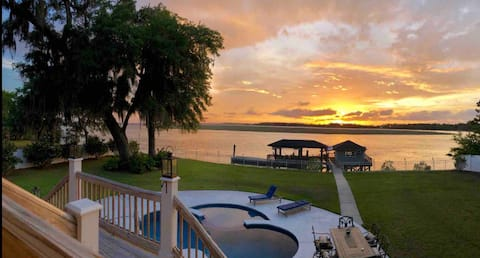Waterfront, POOL, Ga Coast Secluded on 2 acres!