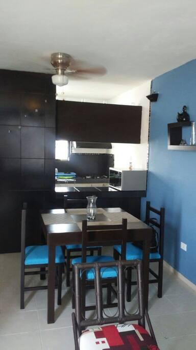 Comedor/Sala. (Dinning room/Living room)