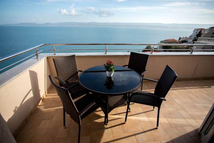 Beautiful apartment for 4 close to the beach - Mimice - Huoneisto