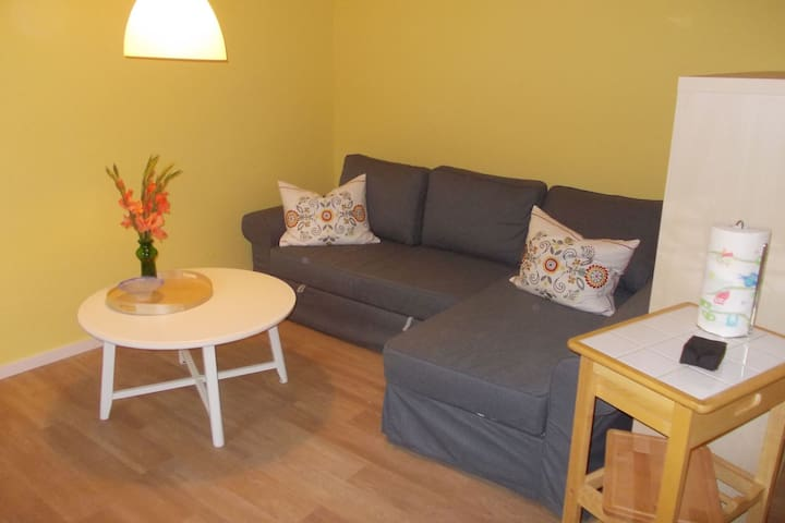 Cozy Apartment with Fenced Garden in Marlow