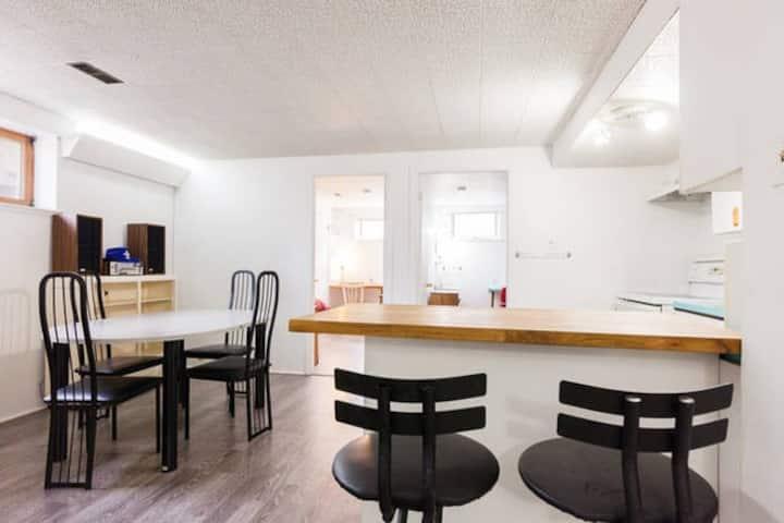 Large Quiet Room in Sainte-Foy
