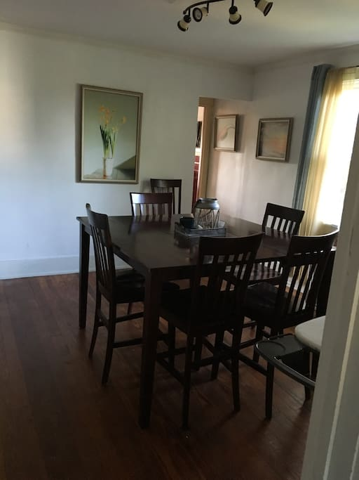 Nice Two Bedroom Apt In The Suburbs Apartments For Rent