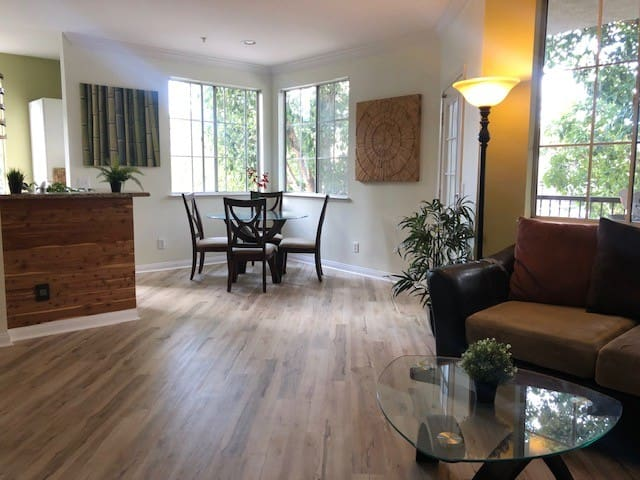 Spacious 2 bedroom in the heart of Mission Valley