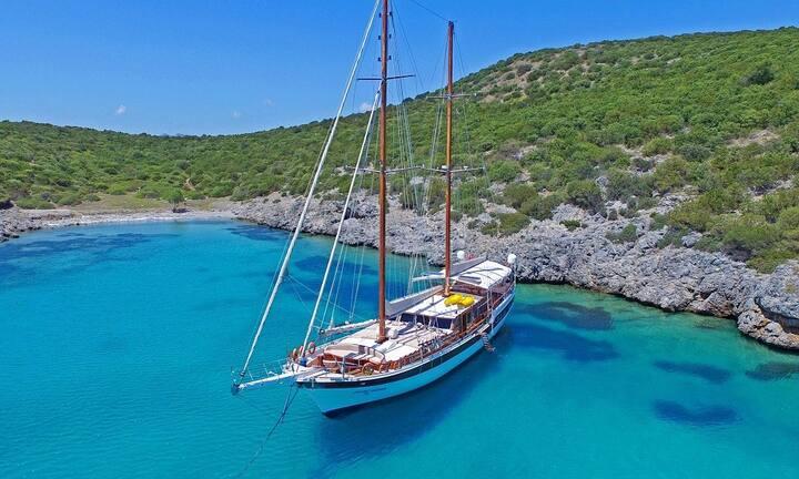 Six Cabins Luxury Turkish Gulet in Bodrum