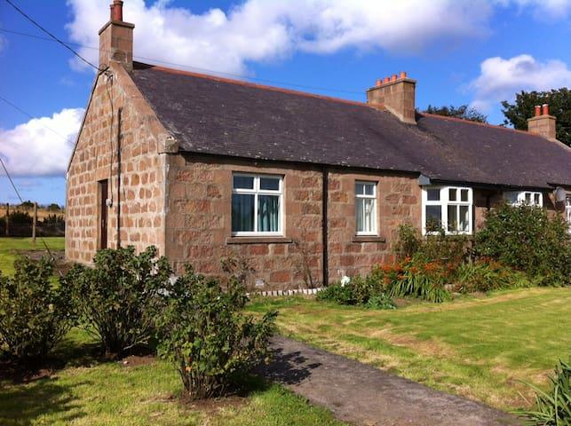 Middleton of Rora Cottages - Longside - House