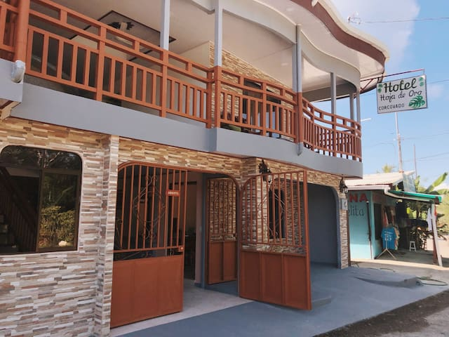 Double Room with Balcony Hotel Hoja de Oro