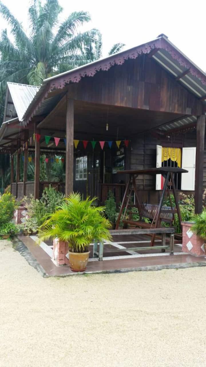 Parit Yob,Parit Yaani House