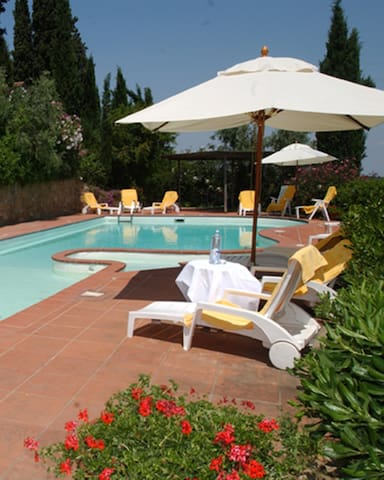 Tuscany Holiday Home 4/6, Cherubini - Montaione - Flat