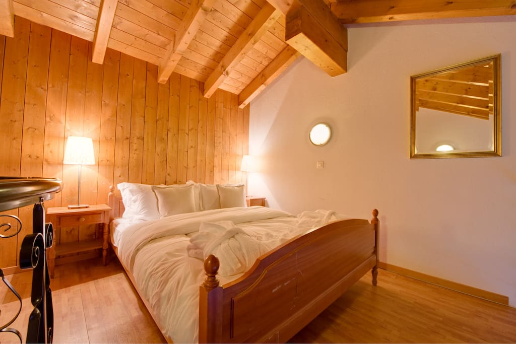 Open gallery with 1 double bed