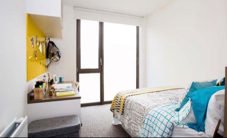 伦敦温布利London wembley学生公寓 温馨干净整洁一直自住偶尔出租