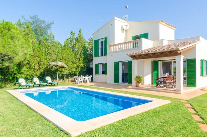 ES FERRERET - House with private pool