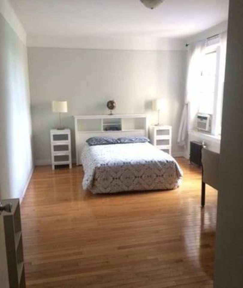 Bright, Spacious Hudson River View Bedroom -all yours!