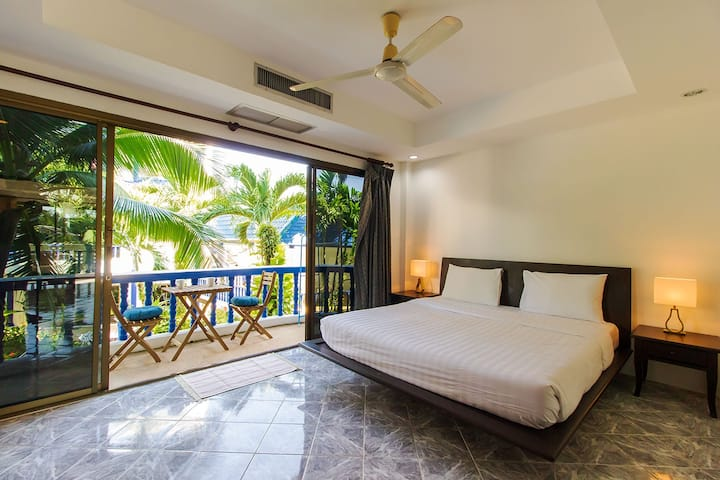 Tropical Apartment w/ Pool + Walk to Kamala Beach.