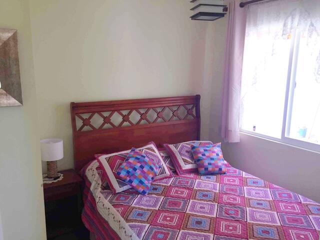 Dormitorio 2 con cama de dos plazas