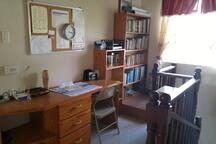 Desk/Office Space