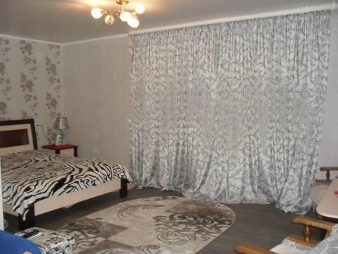 Добротная квартира на сутки с WIFI в Слониме