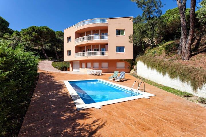 Villa in Costa Brava with Pool