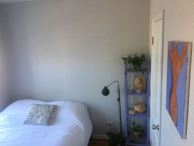 Bright and Calm Room in Hip Williamsburg