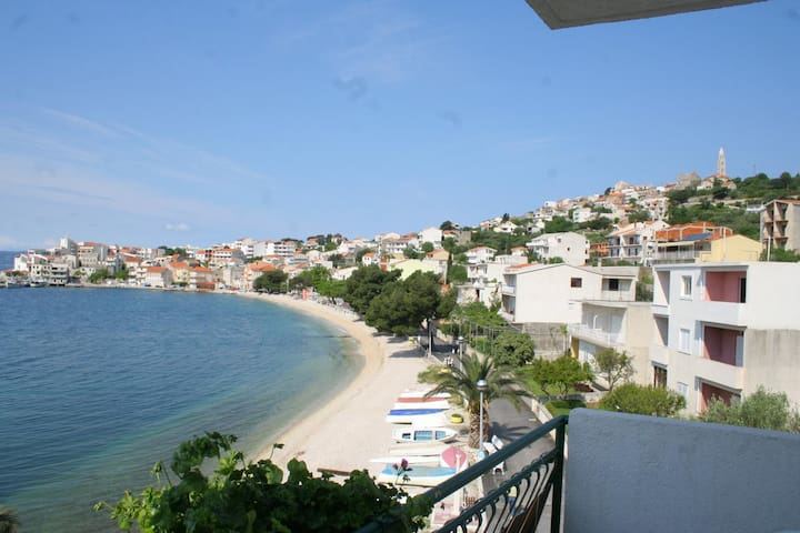 Studio flat near beach Igrane, Makarska (AS-2679-c)