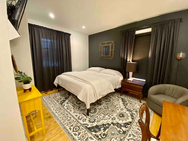 Private chic home suite in heart of town