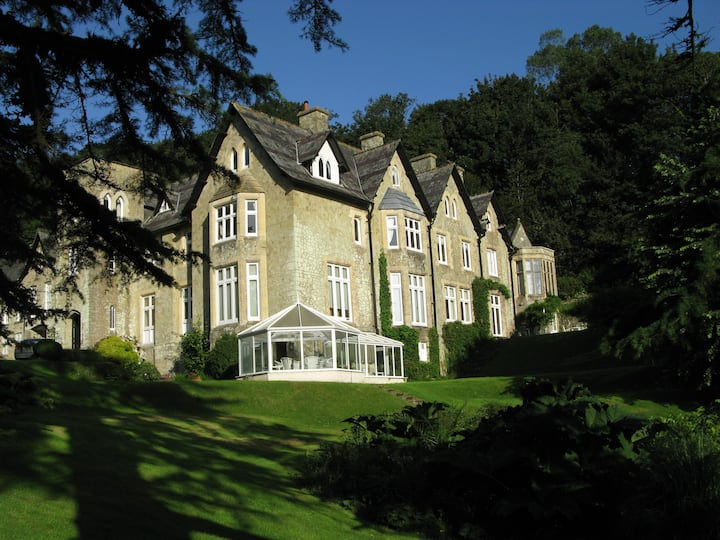 Bluebell Bank, Sheplegh Court