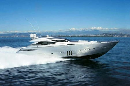 90ft Magnificent Pershing Yacht - Best in the City - Cartagena