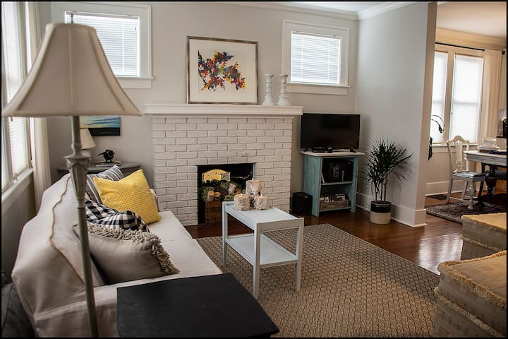 Relax, read, watch tv, listen to music in the south facing living room. On a sunny winter day, you'll think you're vacationing in the tropics! Original art pieces from renowned local artists are featured throughout the home. Imagine, an art gallery!!