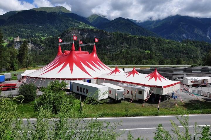 Caravan in the Circus
