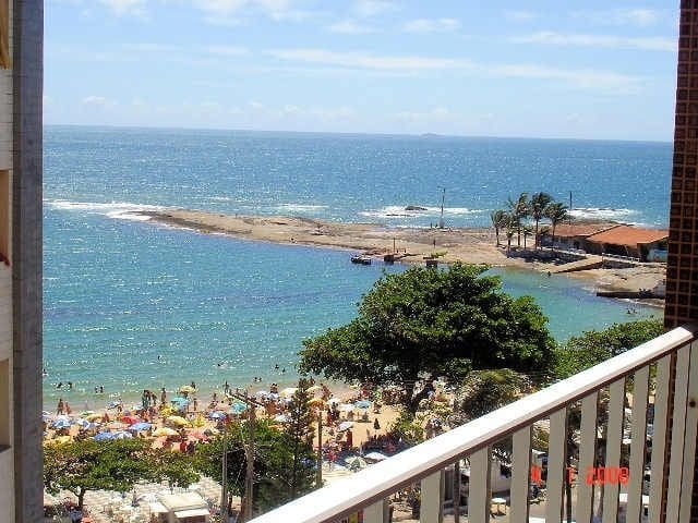 Apartamento em frente à Praia das Castanheiras