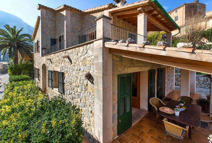 Village Town House in central Deia