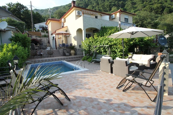 Holiday home Mendule - Budva - Hus