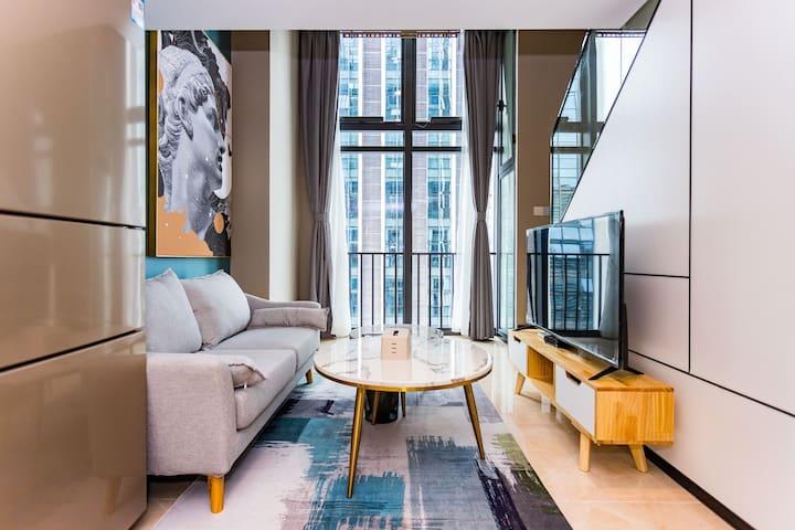 【近华强北地铁】燕南地铁口温馨舒适高楼层loft复式一居室