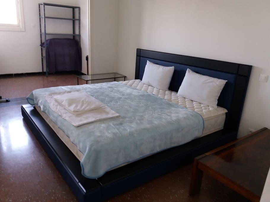 Etage Chambre Principale (master bedroom).