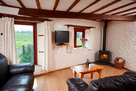 Spacious cottage with shared pool and sauna - Devon