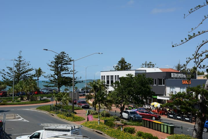 2 bedroom unit: Ideal location - Yeppoon - Lägenhet
