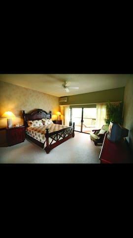 Huge 1 Bedroom Villa overlooking Golf and Ocean