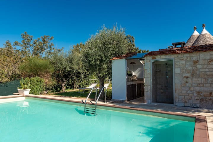 Charming Trulli with Pool for 8 people in Monopoli