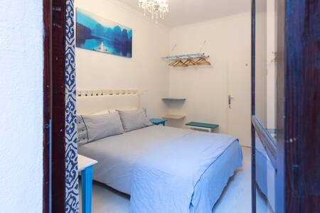 quiet room with private bathroom - Palma