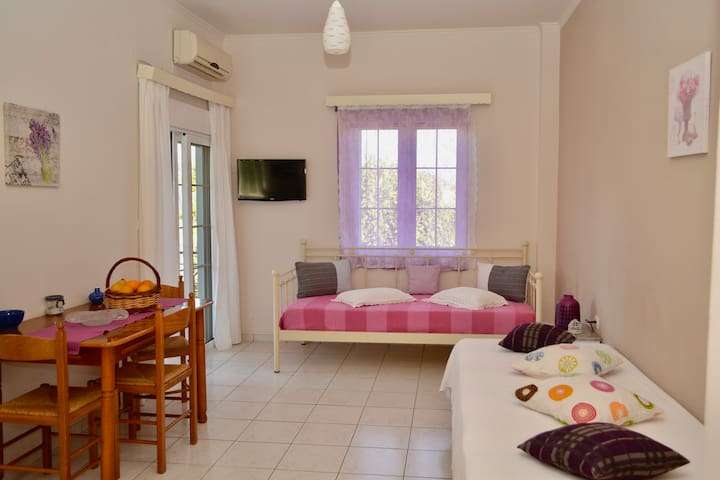 Comfy Apartment in Leonidio - Plaka