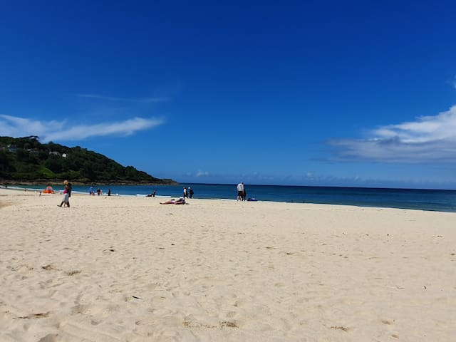 The beautiful Carbis Bay beach!