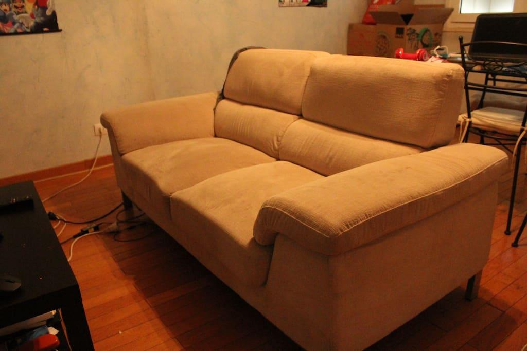 canapé du salon (2e lit)